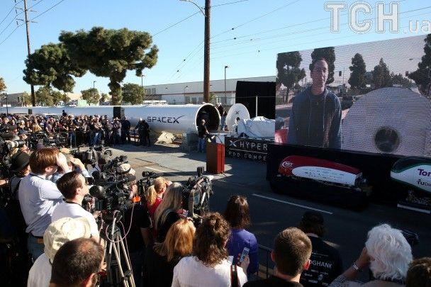 У Каліфорнії пройшло випробування капсул для надшвидкого вакуумного потягу Hyperloop