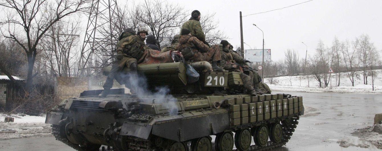 Вночі бойовики гатили із мінометів і кулеметів по українських опорних пунктах
