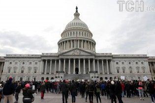 Порошенко: Сенат США ухвалив виділення $ 500 млн та летальної зброї для України