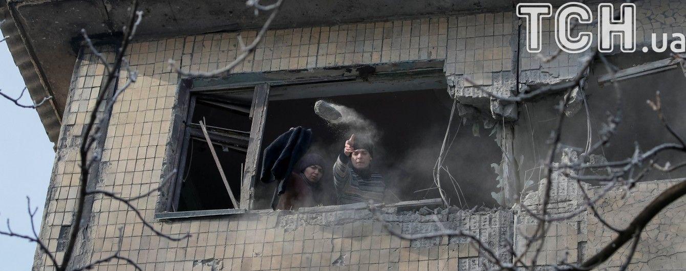 Раненые подростки и поврежденные дома: подробности обстрела боевиками Авдеевки