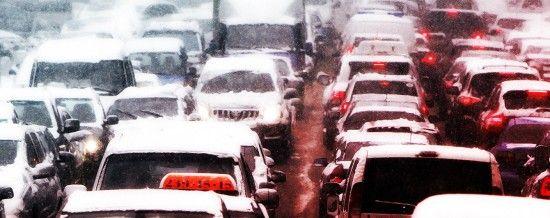 У масштабному заторі на трасі Одеса-Київ зупинилися майже 100 авто