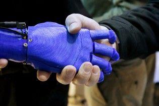 У Японії винайшли робо-руки, якими керують за допомогою ніг