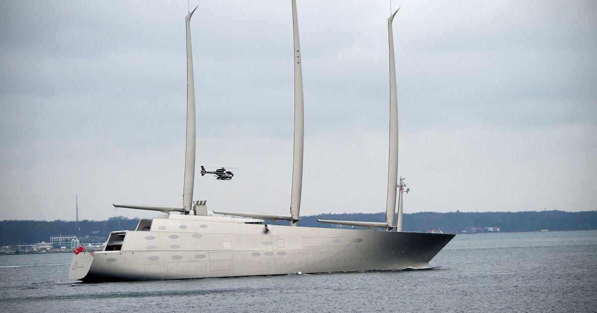 Найбільша у світі вітрильна яхта Sailing Yacht A, яку придбав російський олігарх Андрій Мельниченко. Довжина яхти – 142,8 м, а висота щогл – 90 метрів. Судно має 8 палуб і розрахована на 20 гостей та 54 члени екіпажу. Вартість судна оцінювали у 404 мільйони доларів. @ Reuters