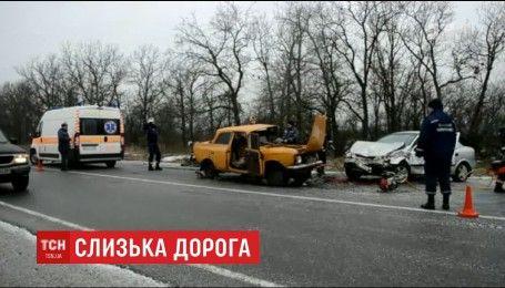 Гололедица вызвала ужасную аварию под Николаевом