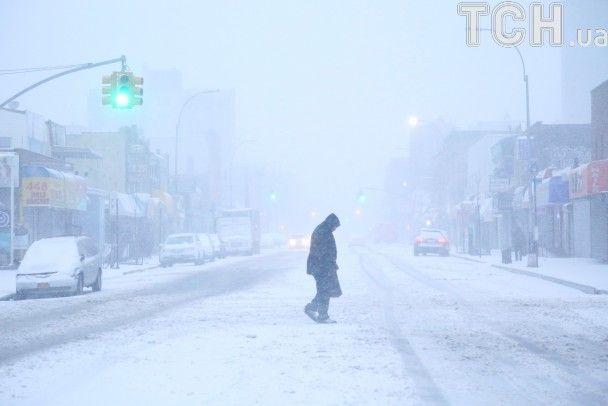 Скасування авіарейсів та зупинка залізниці: у США сніговий шторм паралізував кілька штатів