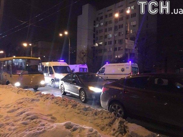 Страшна аварія в Києві: загинула жінка, травмовані двоє вагітних та двоє дітей