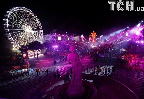 У Ніцці за посилених заходів безпеки влаштували яскравий карнавал