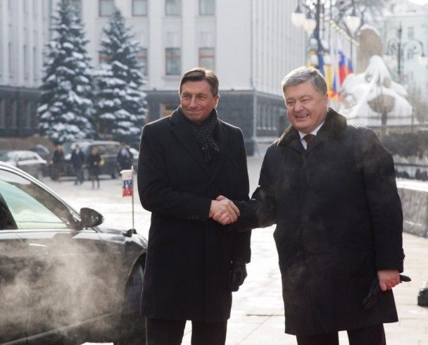 Питання Донбасу, безвіз та санкції проти РФ. Порошенко переговорив з президентом Словенії