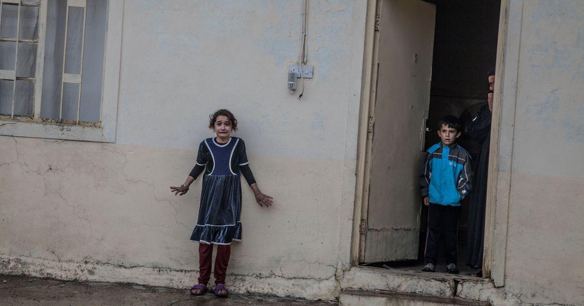 Перше місце в категорії «Новини» отримав Лорен Ван Дер Сток. На фотографії: операція Збройних сил Іраку, в ході якої вони розшукували членів терористичної організації «Ісламська держава» в будинках мирних жителів. @ Reuters