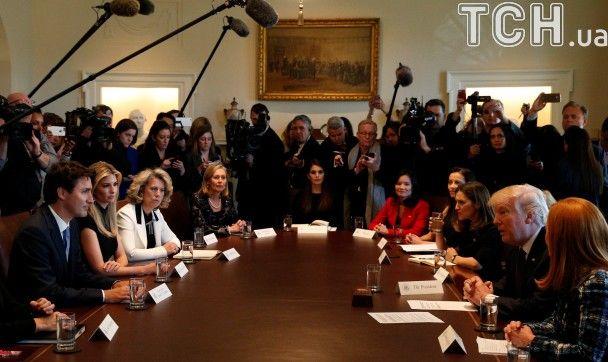 Reuters показало фото, як Іванка Трамп захоплено слухала Джастіна Трюдо
