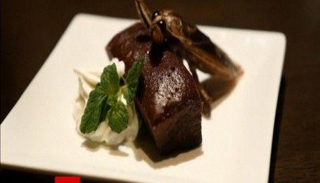 Коктейль из червей, пирожные с тараканами и внутренности на десерт - День влюбленных по-китайски