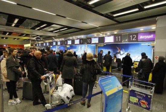 """Аеропорт """"Бориспіль"""" працюватиме два дні в особливому режимі через вірус Petya.А"""