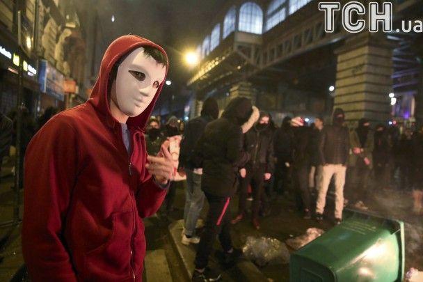 """""""Копи - вбивці і ґвалтівники"""". У Франції вирують антиполіцейські протести"""