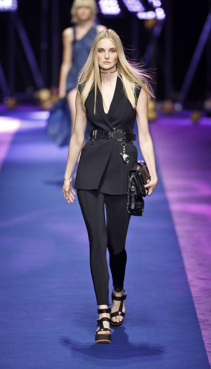Коллекция Versace прет-а-порте сезона весна-лето 2017 @ East News