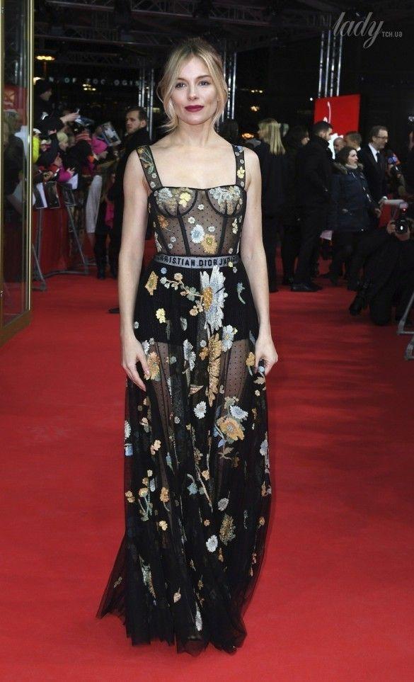 Звезды в платьях от Dior_1