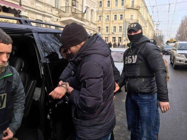 """Керівник Фонду соцзахисту інвалідів погорів на """"відкаті"""" у 700 тис. грн"""