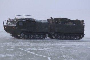 Росія почала масштабні випробування військової техніки в Арктиці