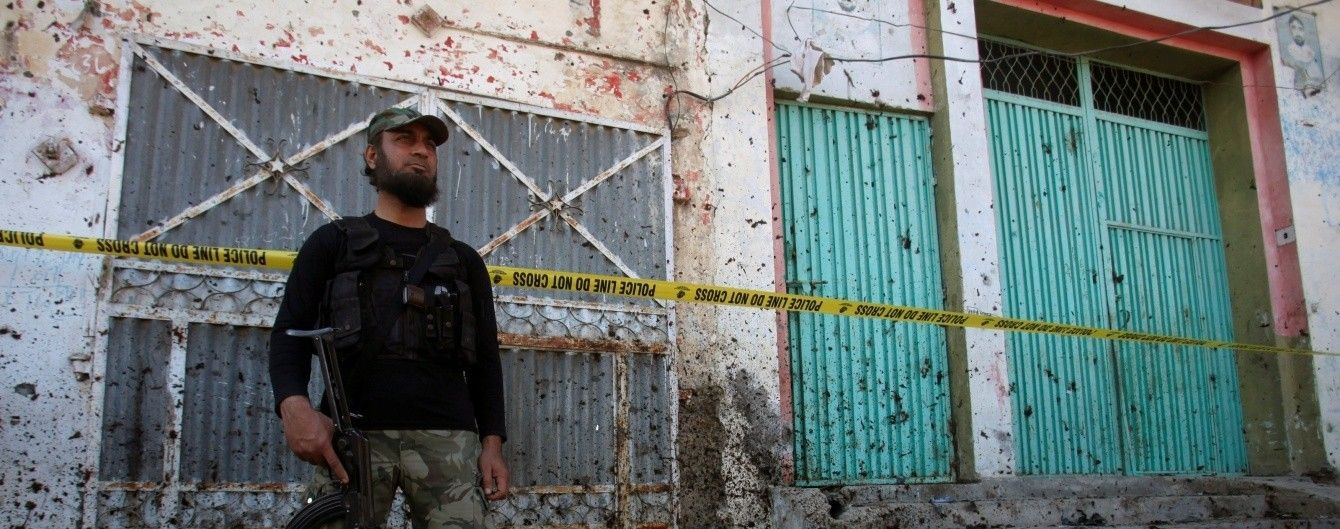 В Пакистане взрыв забрал не менее 25 жизней