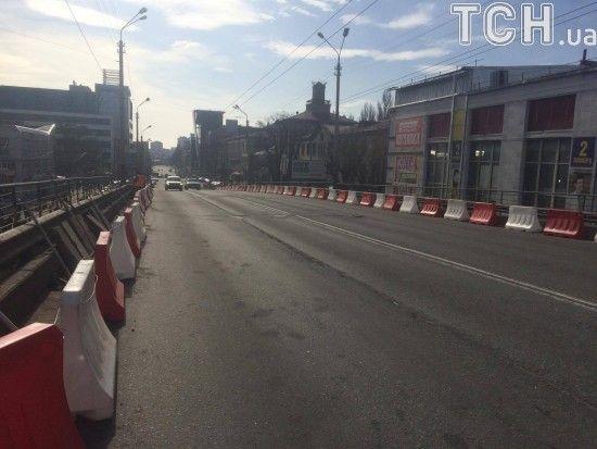 У Києві пішохід загинув під колесами авто, яке протягнуло його 40 метрів
