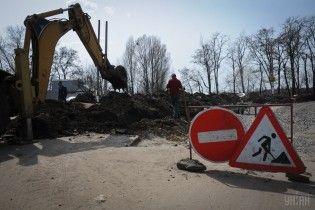 Журналісти з'ясували, хто і як в Україні заробляє на ремонтах доріг