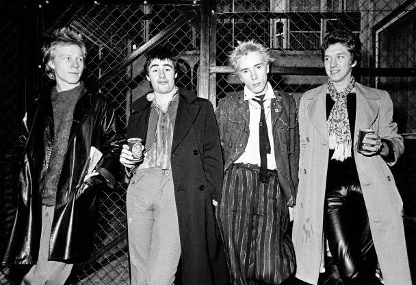 Гурт Sex Pistols випустить парфуми для панків