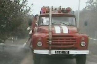 У Дніпропетровську загорілася школа (відео, оновлено)