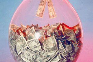 Долар і євро продовжують рости