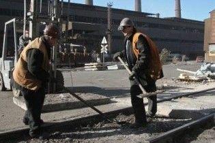 Українська промисловість за рік впала на третину