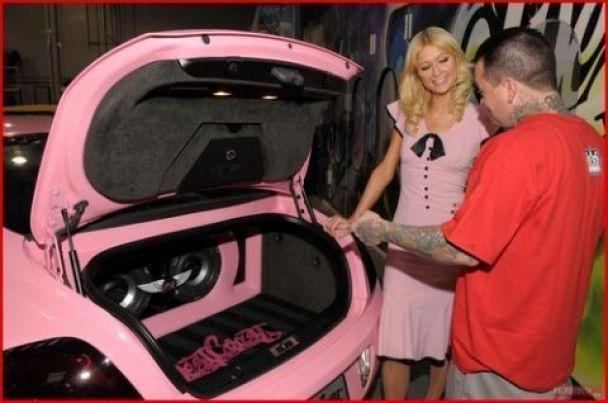 Періс Хілтон їздить на рожевому Бентлі