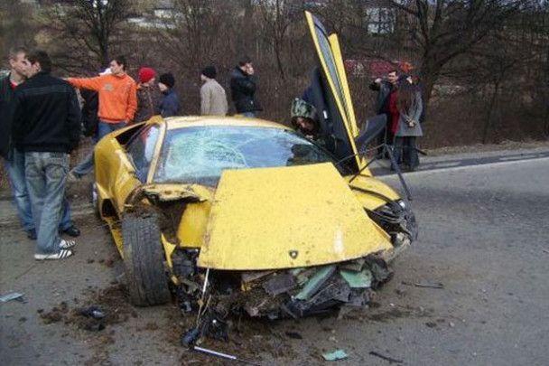 Син голови КС розбив ексклюзивне Lamborghini в Ужгороді