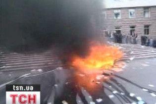 Поліція стріляниною приборкала опозицію в Молдові