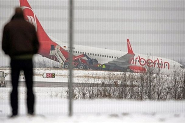 У Німеччині літак зійшов зі злітної смуги