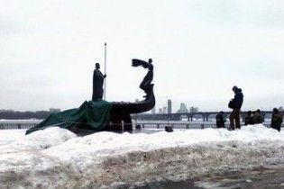 Пам'ятник засновникам Києва демонтували за рішенням влади