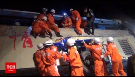 В Китае фура врезалась в пассажирский автобус, есть погибшие