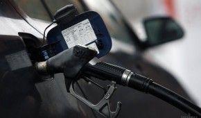Скільки коштує заправити авто на АЗС уранці 16 липня