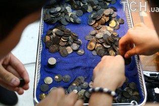 В Таиланде успешно прооперировали черепаху, которая съела почти тысячу монет