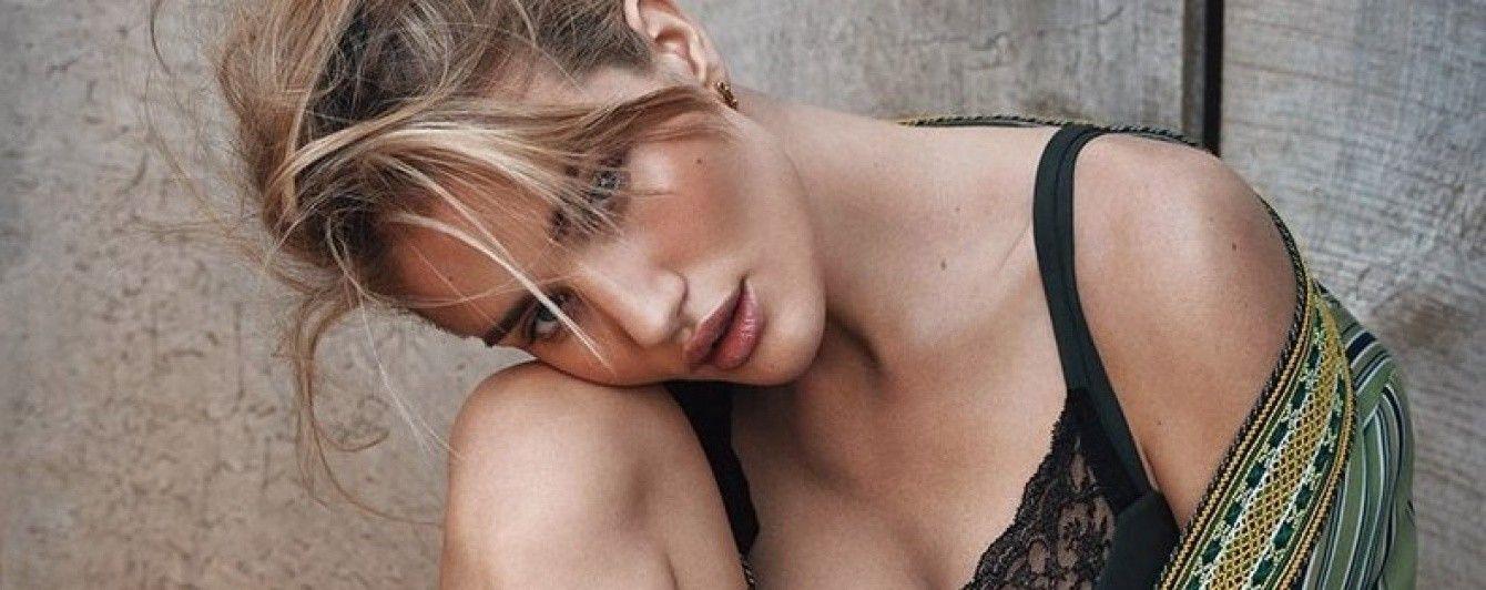 Нежная и романтичная: Рози Хантингтон-Уайтли снялась в новой фотосессии для глянца