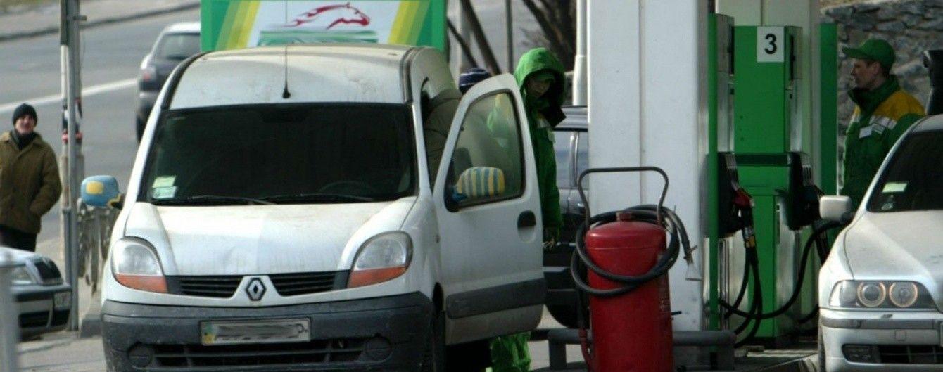 На АЗС снова дорожают дизтопливо и автогаз. Средние цены на 6 октября
