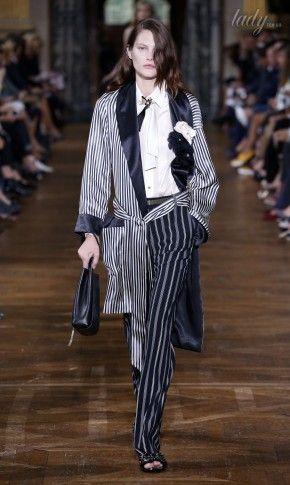 Полоски и горох: тенденции моды сезона весна-лето 2017