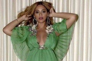 В платье с откровенным декольте и на шпильках: беременная Бейонсе на премьера фильма
