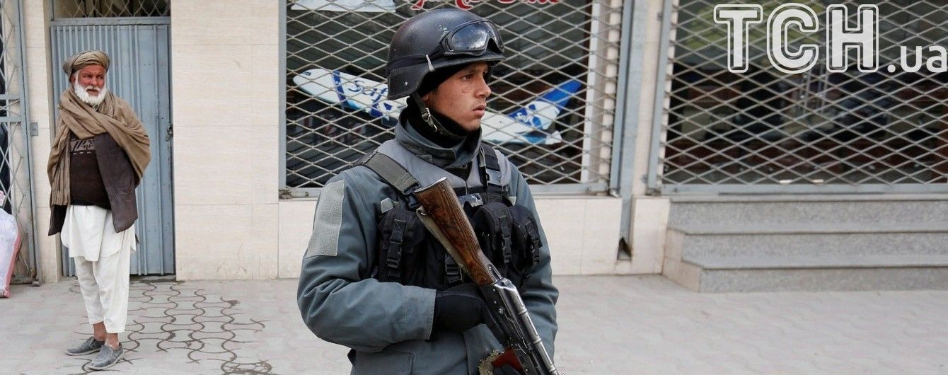 В Афганистане полицейское авто подорвалось на взрывчатке: есть погибшие