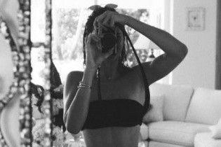 Кендалл Дженнер похвасталась безупречной фигурой в бикини