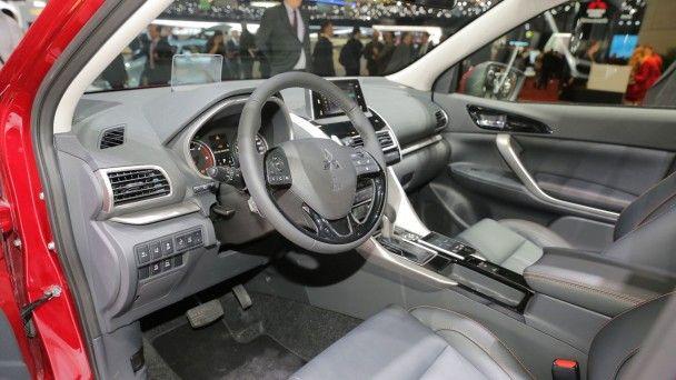 В Женеве Mitsubishi представила купеобразный кроссовер Eclipse Cross