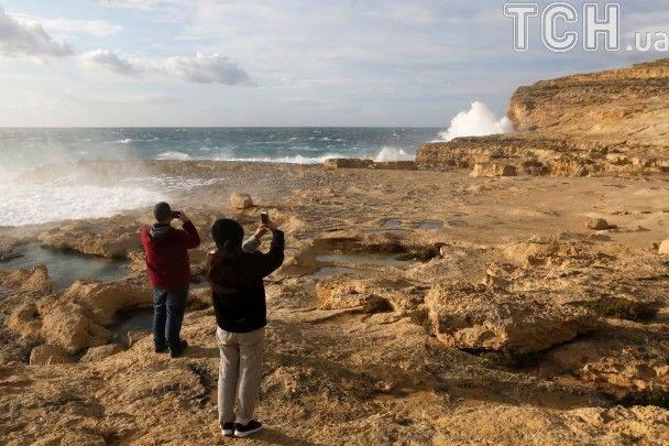 """На Мальті обвалилася унікальна скеля, що засвітилася у """"Грі престолів"""""""