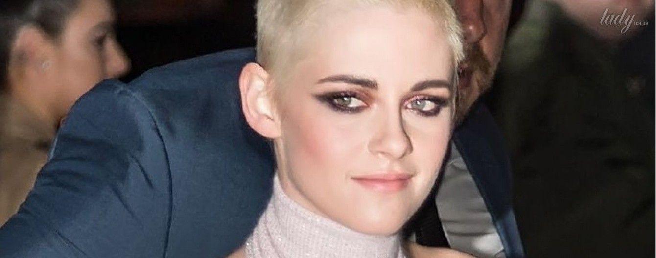 """В роскошном платье от Chanel: Кристен Стюарт появилась на премьере фильма """"Персональный покупатель"""" в Нью-Йорке"""