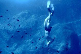 Українець проплив на затримці дихання 9 хвилин і став рекордсменом