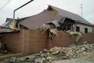 Боевики обстреляли Марьинку: разрушены дома