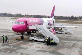 Wizz Air ввел плату за перевозку ручной клади в салоне самолета
