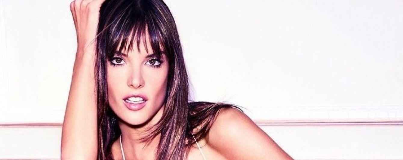 Игривая и сексуальная: Алессандра Амбросио предстала в новой фотосессии