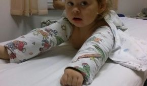 4-річна Анюта потребує жертовної допомоги